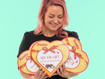 Personliggjort Chokoladeæske med Marabou Hjerter